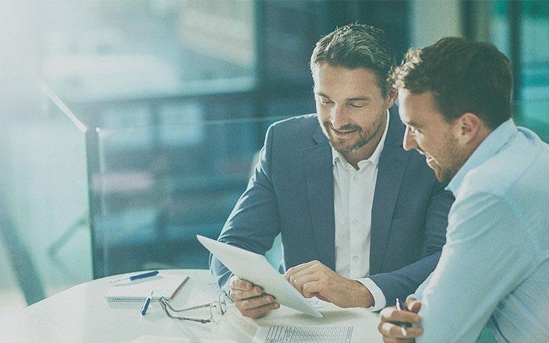 Análise financeira: como utilizar dados do setor para tomar decisões?